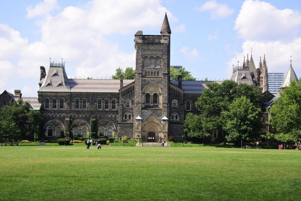 دانشگاه تورنتو رتبه 1 کانادا